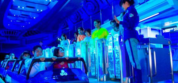 Wahana Terbaik Tokyo Disneyland